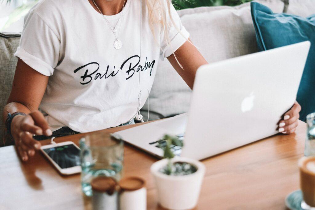 How tow write good newsletter headlines as female entrepreneur
