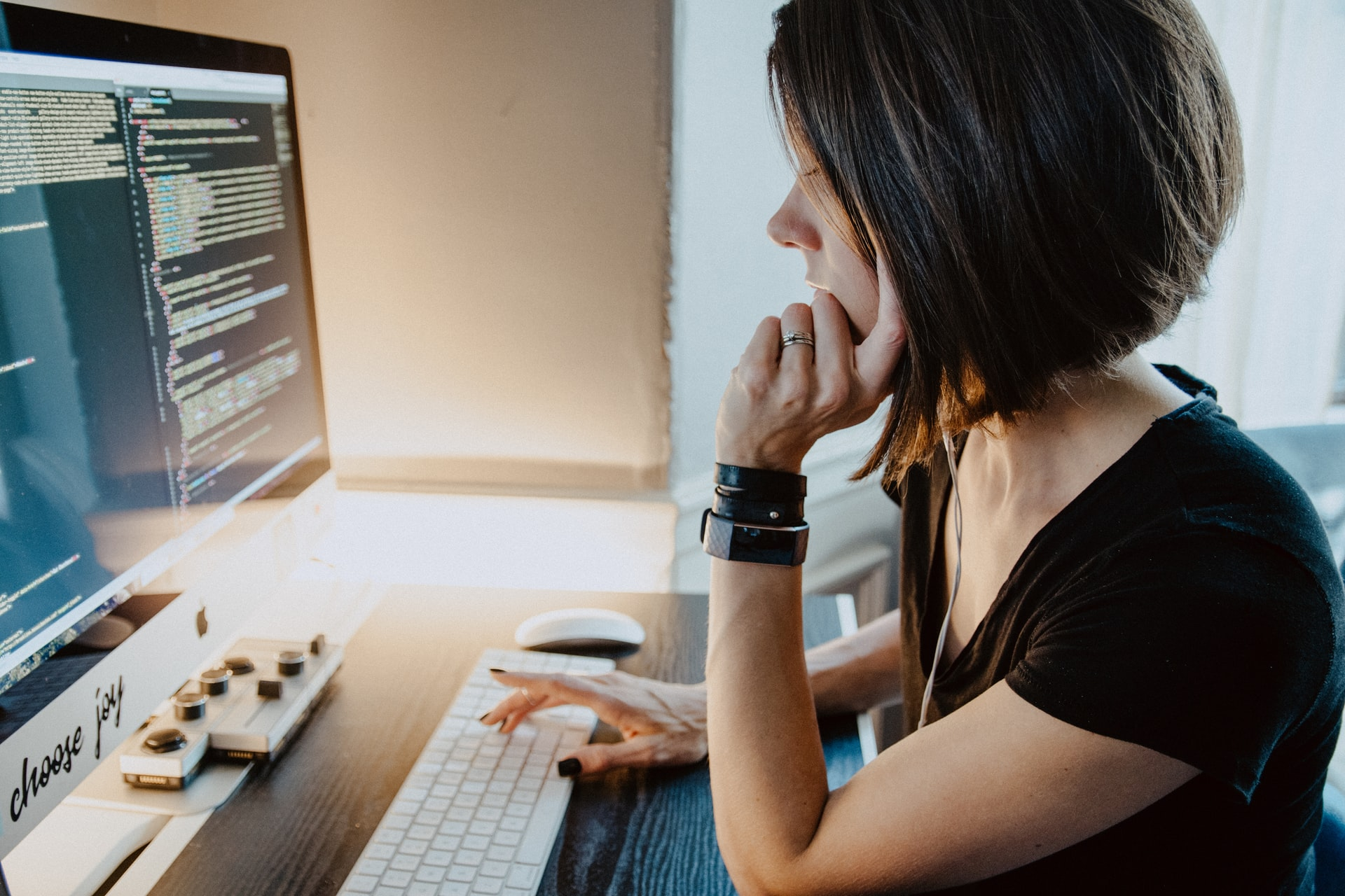 woman programming